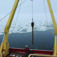 Sending a kasten core to the seafloor